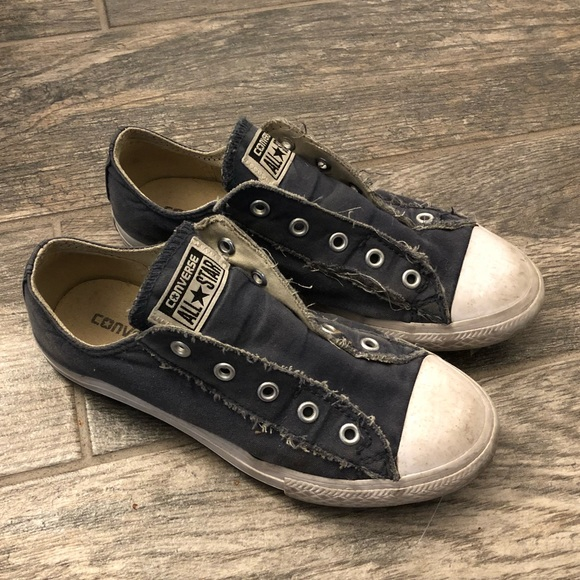 Kids/boys laceless slip on distressed converse